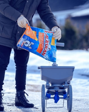 Alaskan® Pet Friendly Ice Melter Bag